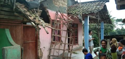 52 Rumah di Sukabumi Rusak Akibat Gempa