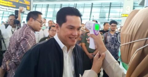 Erick Inspeksi Korona di Bandara Tanpa Masker