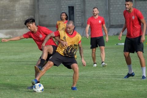 Kalah dari Ceres, Bali United Juru Kunci Grup G
