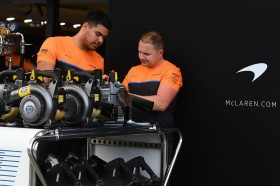 Tiga Kru F1 Tunjukkan Gejala Korona
