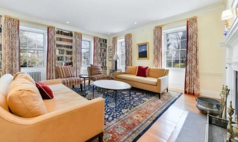 Rumah Berusia Ratusan Tahun Dijual Rp84,5 Miliar