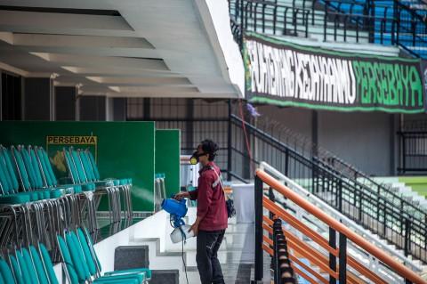 Jelang Laga Persebaya vs Persipura, Stadion Disemprot Disinfektan