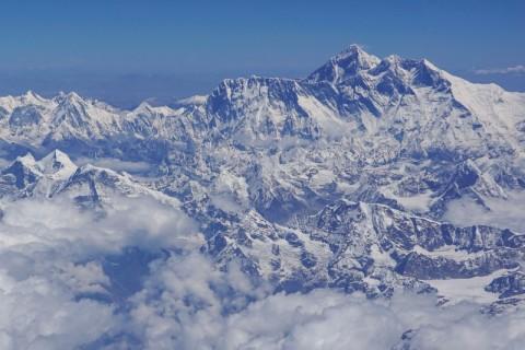 Nepal Tutup Gunung Everest di Tengah Wabah Korona