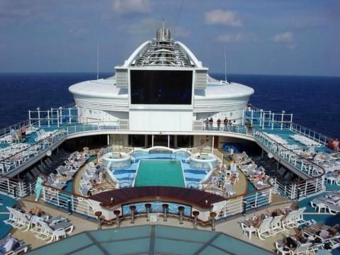 Kapal Wisata Bermuatan 10 WNA Ditolak Berlabuh di Sumba Timur