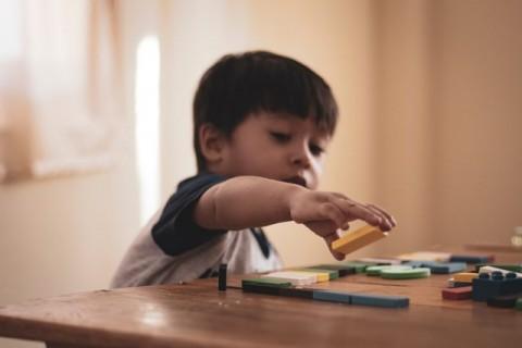 Tips agar Anak Tidak Sering Menyentuh Wajah