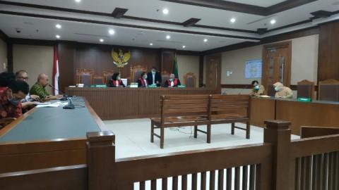 Hakim PN Jakarta Pusat Bersidang Menggunakan Masker