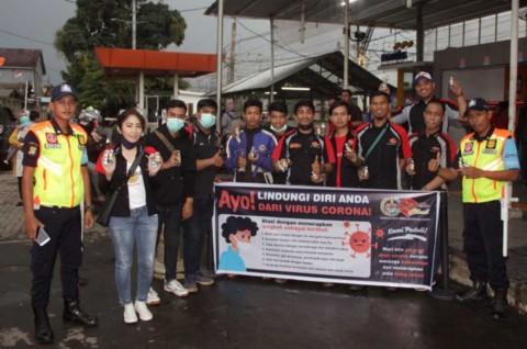 SSFC Bagikan Hand Sanitizer ke Warga Depok