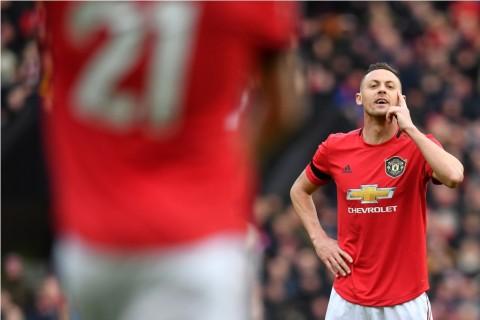Manchester United Perpanjang Kontrak Matic Setahun