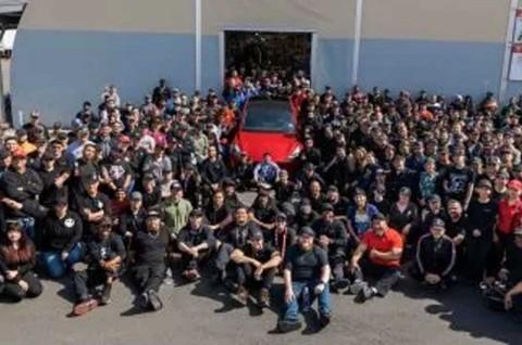 Tak Terpengaruh Corona, Pabrik Tesla Tetap Beroperasi
