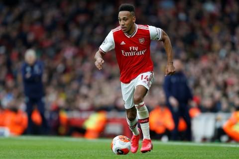 Aubameyang Diklaim akan Bertahan di Arsenal