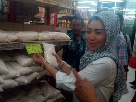 Bulog Batasi Pembelian Gula Pasir 2 Kg/Konsumen