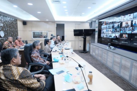 FM Retno Holds Video Conference with All Indonesian Overseas Missions