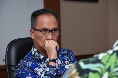 Menteri Perindustrian Negatif Korona
