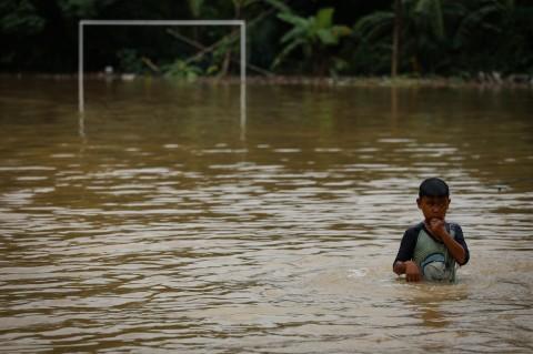 Banjir Rendam Kawasan Tigaraksa Tangerang