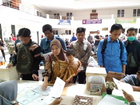 Disdukcapil Kabupaten Tangerang Layani Masyarakat Melalui <i>WhatsApp</i>