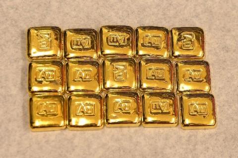 Harga Emas Dunia Anjlok USD47,9/Ons