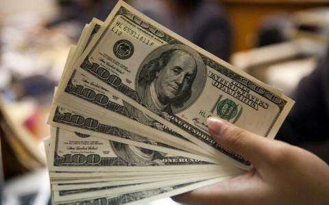 Dolar AS Kian Perkasa di Tengah Wabah Covid-19