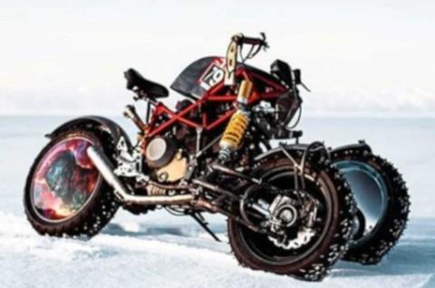 Tampilan Liar Ducati Hypermotard jadi Motor Roda Tiga