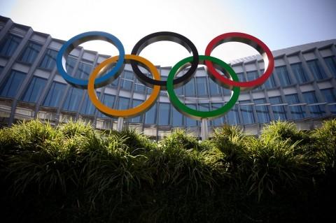 Dihujani Kritik, Komite Olimpiade Melunak