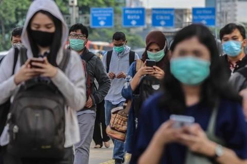 Warga Diminta Berbagi Masker dan <i>Hand Sanitizer</i>