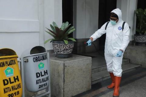 Balai Kota Malang Disemprot Disinfektan