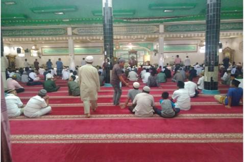 Salat Jumat di Masjid Kantor Kepresidenan Ditiadakan
