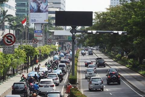 Jalan Protokol di Jakarta Lengang