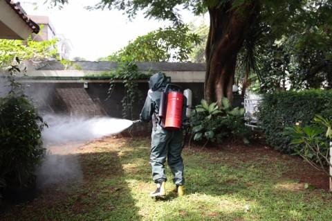 Rumah Try Sutrisno dan Boediono Disemprot Disinfektan