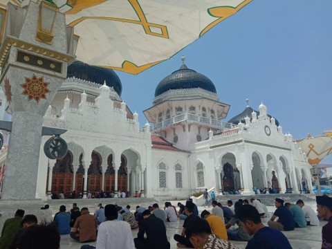 Masjid Raya Baiturrahman Tetap Gelar Salat Jumat