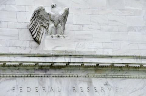 Fed Ambil Lebih Banyak Langkah Tingkatkan Likuiditas Dolar AS