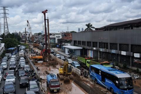 Proyek <i>Flyover</i> dan <i>Underpass</i> di Jakarta Tetap Jalan