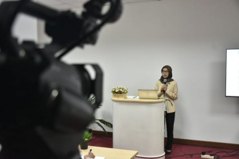 Raih Doktor di Tengah Korona, Sidang Pun via <i>Live Streaming</i>