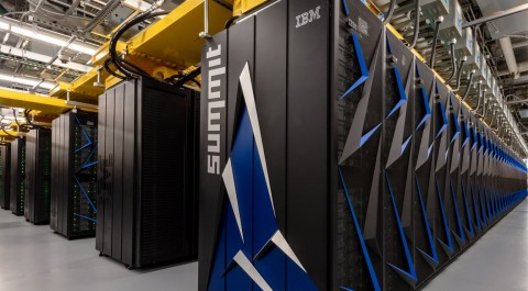 Perangi Virus Korona, IBM Pakai Superkomputer Sebesar Lapangan Bola Basket