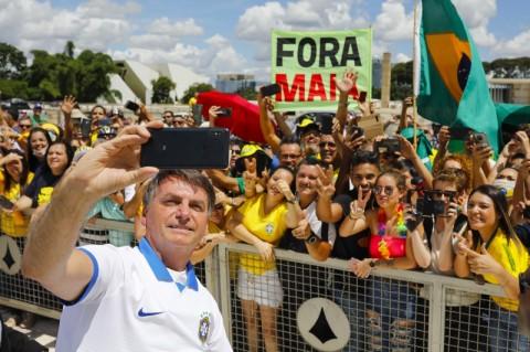 Presiden Brasil Remehkan 1.500 Kasus Virus Korona