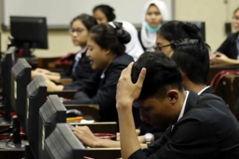 16 Provinsi Minta UN SMA Ditunda