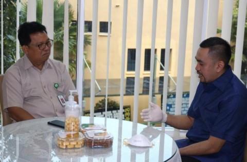 Ahmad Sahroni Donasikan Gajinya untuk Penanganan Covid-19