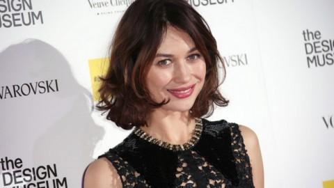 Aktris Olga Kurylenko Mengaku Sembuh dari Korona
