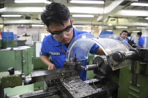 Pemerintah Perlu Dukung Industri Manufaktur Tetap Beroperasi
