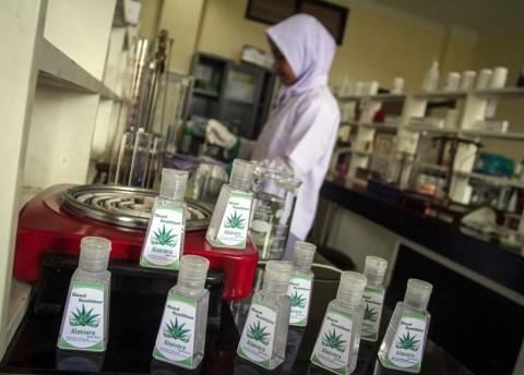 Selain Masker, Produk Herbal juga Dibutuhkan Tenaga Medis