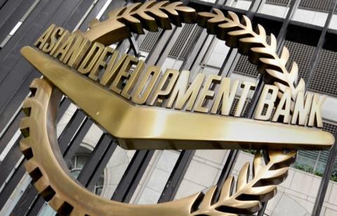 ADB: Ekonomi di Asia Timur Sudah 'Terinfeksi' Covid-19