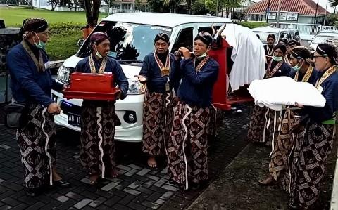 Dampak Virus Korona, Labuhan Merapi Keraton Yogyakarta Berlangsung Sepi