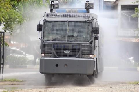 Jalan Raya Banda Aceh Disemprot Disinfektan