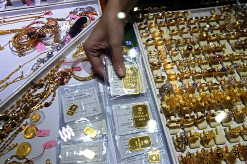 Emas Antam Tertahan di Rp924 Ribu/Gram