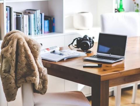 Perlukah Mengganti Baju Setiap Habis Keluar Rumah?
