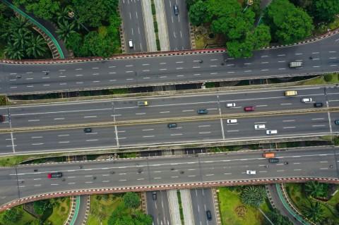 Jalanan Ibu Kota Jakarta Lengang