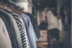 Membersihkan Pakaian dengan Tepat Mengurangi Risiko Penyebaran Covid-19