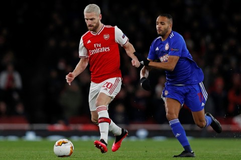 Mustafi tak Pusingkan Masa Depannya di Arsenal