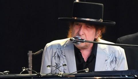 Bob Dylan Rilis Lagu Pembunuhan John F. Kennedy