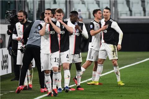 Dampak Korona, Juventus Potong Gaji Pemain