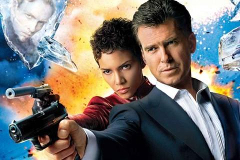 Beberapa Pistol yang Digunakan di Film James Bond Dicuri